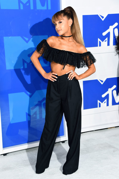 Ariana Grande Off-the-Shoulder Top [music,blue,fashion model,shoulder,flooring,joint,electric blue,leg,fashion,girl,carpet,arrivals,ariana grande,mtv video music awards,celebrity,fashion model,shoulder,2014 mtv video music awards,new york city,mtv,ariana grande,2016 mtv video music awards,2018 mtv video music awards,mtv video music award,red carpet,2014 mtv video music awards,celebrity,music,mtv]