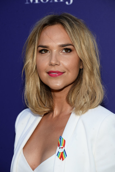 Arielle Kebbel Pink Lipstick [hair,face,blond,hairstyle,lip,eyebrow,beauty,chin,skin,brown hair,arielle kebbel,benefit for onepulse foundation - arrivals,benefit for onepulse foundation,neuehouse hollywood,los angeles,california]