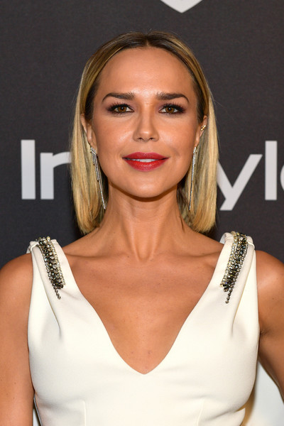 Arielle Kebbel Short Straight Cut [hair,face,hairstyle,shoulder,lip,eyebrow,blond,skin,beauty,chin,arielle kebbel,beverly hills,california,the beverly hilton hotel,instyle,red carpet,warner bros. 76th annual golden globe awards,warner bros. 76th annual golden globe awards post-party]