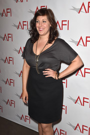 Allison Tolman actually looked sexy in a simple gray V-neck tee during the AFI Awards.