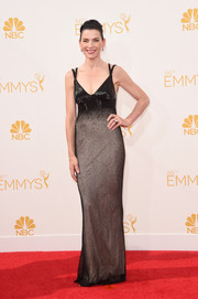 Julianna Margulies was classy on the Emmys red carpet in a black Narciso Rodriguez gown with a nude skirt underlay.