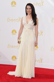 Lucy Liu looked divine on the Emmys red carpet in a sleeveless white Zac Posen gown.