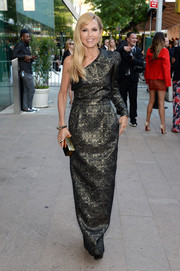 Rachel Zoe looked grand at the CFDA Fashion Awards in a black and gold brocade one-shoulder gown from her own label.