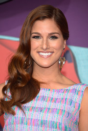 Cassadee Pope complemented her lovely hairstyle with a pair of gold and gemstone chandelier earrings.