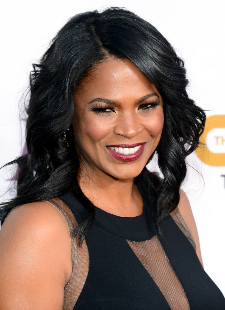 More Pics Of Nia Long Medium Wavy Cut 1 Of 6 Shoulder Length Hairstyles Lookbook Stylebistro