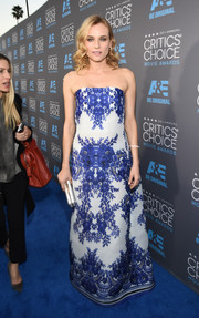 Diane Kruger wore a spectacular blue and white floral-print gown at the Critics' Choice Movie Awards.
