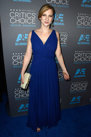 Helen Estabrook looked beautiful at the Critics' Choice Movie Awards in a Grecian-inspired full-length gown.