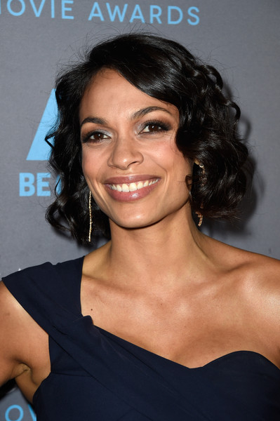 More Pics Of Rosario Dawson Short Curls 2 Of 7 Short Hairstyles Lookbook Stylebistro