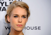 Mary Charteris styled her hair into a charming braided updo for the Elle Style Awards.