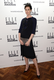 Erin O'Connor chose a black and navy Louis Vuitton dress with beaded detailing and a tasseled hem for the Elle Style Awards.