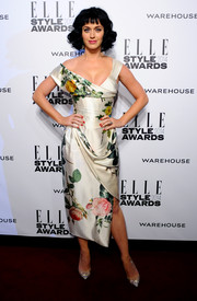 Katy Perry exuded vintage charm in an asymmetrical floral dress by Vivienne Westwood during the Elle Style Awards.