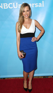Julie Benz looked svelte and chic in a tricolor cocktail dress during NBCUniversal's Summer Press Day.