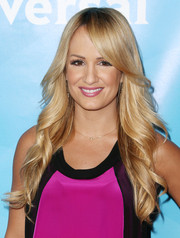 Jenn Brown wore a flawlessly styled feathered flip during NBCUniversal's Summer Press Day.