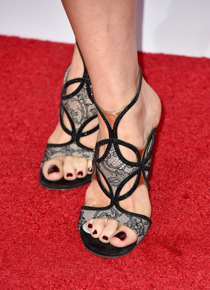 More Pics of Bellamy Young Messy Updo (2 of 25) - Updos Lookbook - StyleBistro [footwear,leg,sandal,high heels,foot,toe,ankle,human leg,red,shoe,peoples choice awards,part,fashion detail,california,los angeles,nokia theatre la live,bellamy young,arrivals]