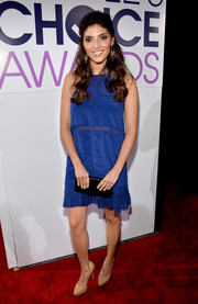 Amanda Setton kept it low-key in a royal blue sheer-panel cocktail dress by Nicole Miller during the People's Choice Awards.