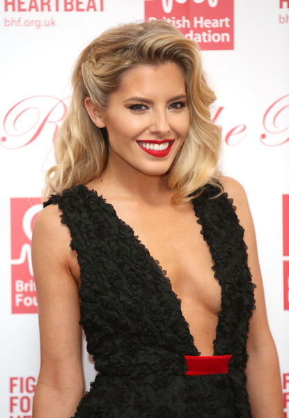 Mollie King's Glamour Girl Waves