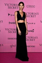 Lily Aldridge's Cushnie et Ochs cowl-neck crop-top was an elegant way to rock the skin-revealing look.