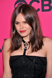Atlanta de Cadenet topped off her look with an edgy center-parted 'do when she attended the Victoria's Secret fashion show.