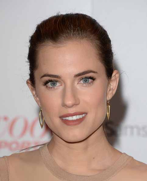 More Pics of Allison Williams Ponytail (1 of 8) - Ponytail Lookbook - StyleBistro