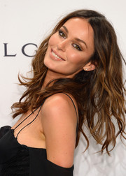 Nicole Trunfio was sexily coiffed with tousled waves during the amfAR New York Gala.