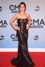 Kimberly Williams-Paisley was all sparkly at the CMA Awards in a sequined brown strapless gown by Monique Lhuillier.