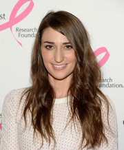 Sara Bareilles wore her hair down with edgy-chic waves at the Hot Pink Party.
