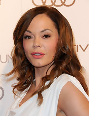 Rose McGowan wore a creamy warm pink lipstick to the Art of Elysium's 5th Annual Heaven Gala.