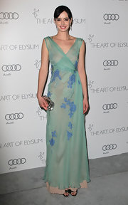 Krysten looked pristinely elegant in this mint applique dress at the Art of Elysium Heaven Gala.