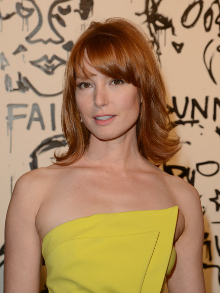 More Pics of Alicia Witt Medium Layered Cut (5 of 19) - Alicia Witt Lookbook - StyleBistro