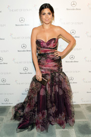 Jamie-Lynn Sigler went totally girly at the Art of Elysium's Heaven Gala in a strapless floral mermaid gown by Gustavo Cadile.