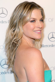 Ali Larter wore her hair down in beachy waves at the Art of Elysium's Heaven Gala.