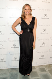 Vinessa Shaw was all about simple elegance in a sleeveless black Armani gown at the Art of Elysium's Heaven Gala.