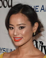 Jamie Chung's bright red-orange lippy totally made her beauty look pop!