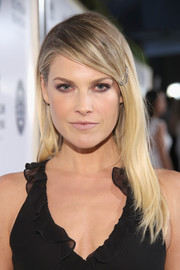Ali Larter wore her hair loose with a deep side part at the Art of Elysium Heaven Gala.