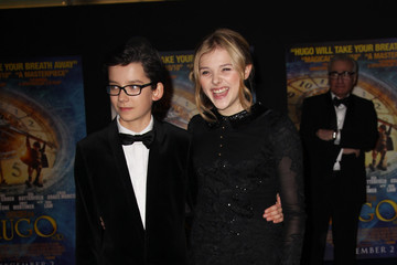 Asa Butterfield Chloe Grace Moretz 'Hugo' in 3D - Inside Arrivals