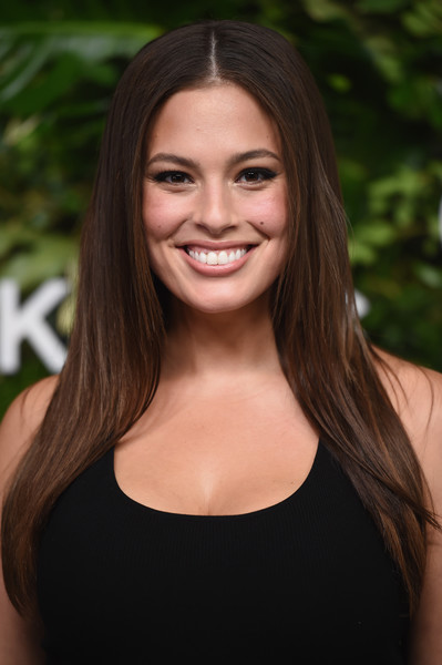 Ashley Graham Long Straight Cut [hair,face,hairstyle,eyebrow,beauty,brown hair,lip,long hair,chin,smile,golden heart awards,love,new york city,god,ashley graham]