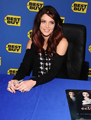 Actress Ashley Greene signed copies of 'The Twilight Saga: Eclipse' wearing an oxidized and sterling silver pave diamond ring.
