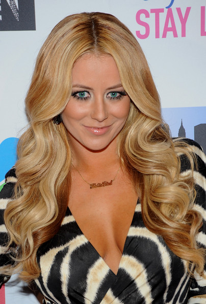 Aubrey O'Day Long Wavy Cut