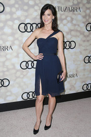 Perrey Reeves donned a fab navy one-shoulder dress for the Emmy kickoff party.