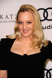 Wendi Mclendon-Covey wore her hair in sexy loose curls at the Audi 2012 Golden Globe Awards celebration.
