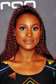 Issa Rae wore her hair in a kinky ponytail at the Audi pre-Emmy celebration.
