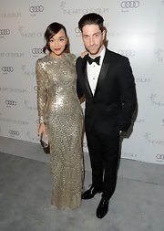 Iddo Goldberg looked dashing in a perfectly fitted single button tuxedo as he attended the Annual Heaven Gala.