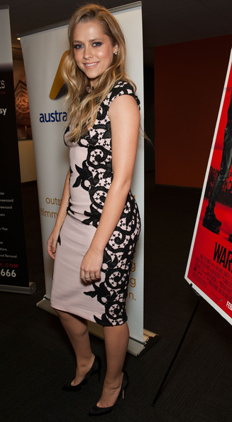More Pics of Teresa Palmer Long Wavy Cut (3 of 48) - Long Wavy Cut Lookbook - StyleBistro