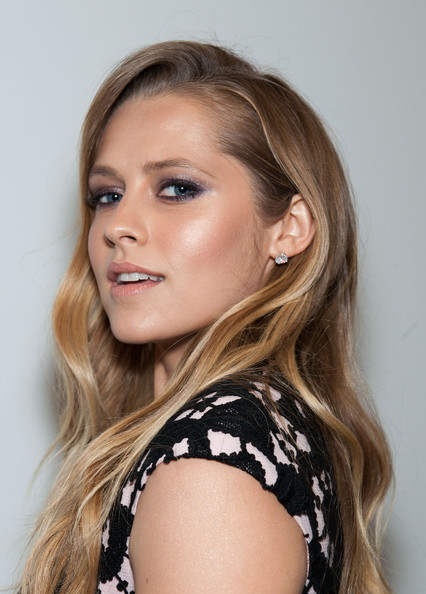 More Pics of Teresa Palmer Long Wavy Cut (5 of 48) - Long Wavy Cut Lookbook - StyleBistro