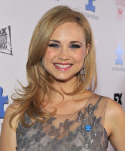 Fiona Gubelmann looked fetching with her wispy waves at the Autism Speaks' Blue Jean Ball.