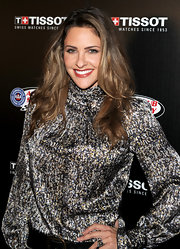 Jill Wagner wore her ombre hair in unfussy full waves.