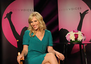 Natasha Bedingfield helped judge an Avon-sponsored singing contest wearing her hair in long layered waves.