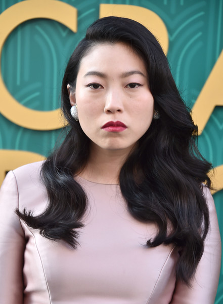 Awkwafina Red Lipstick [crazy rich asians,crazy rich asiaans,hair,face,hairstyle,black hair,chin,beauty,forehead,eyebrow,lip,skin,premiere - arrivals,awkwafina,california,hollywood,warner bros. pictures,tcl chinese theatre imax,premiere]