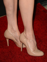 Victoria Summer attended the BAFTA LA TV Tea wearing simple yet classic nude pumps.
