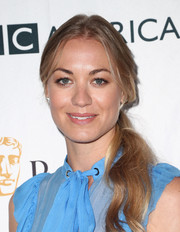 Yvonne Strahovski sported a casual side-swept ponytail at the BAFTA Los Angeles TV tea party.